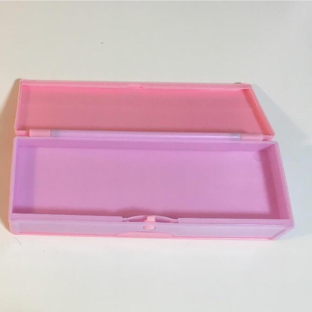 プラスチックペンケース インテリア/住まい/日用品の文房具(ペンケース/筆箱)の商品写真
