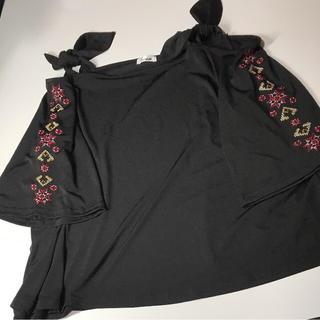 シマムラ(しまむら)のSuseue 肩あき 刺繍トップス(カットソー(半袖/袖なし))