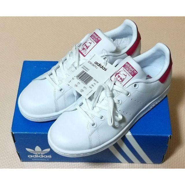 adidas(アディダス)の新品 アディダス スタンスミス ピンク×ホワイト 22.5cm/B32703 レディースの靴/シューズ(スニーカー)の商品写真