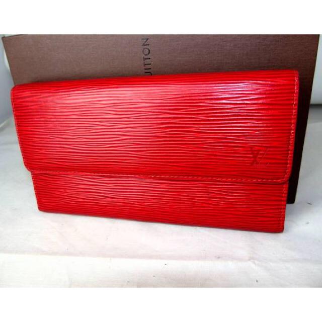 LOUIS VUITTON(ルイヴィトン)のルイヴィトン 赤エピ 三つ折り長財布 レディースのファッション小物(財布)の商品写真