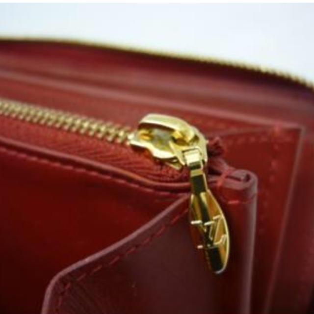 LOUIS VUITTON(ルイヴィトン)のヴィトン ヴェルニ ラウンド ファスナー 長財布 ジッピーウォレット 赤  レディースのファッション小物(財布)の商品写真