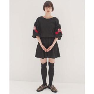 シンディー(SINDEE)の袖刺繍ワンピース|SINDEE(ひざ丈ワンピース)