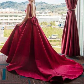 高貴ワイン赤リボン付トレーンウェディングドレス、色変更可(ウェディングドレス)