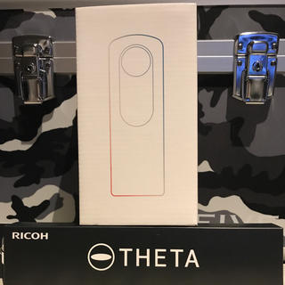 リコー(RICOH)のRICOH THETA SC WHITE(コンパクトデジタルカメラ)