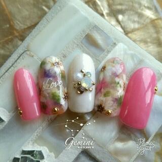 ビビットピンクのボタニカルフラワーネイル♡サイズオーダー